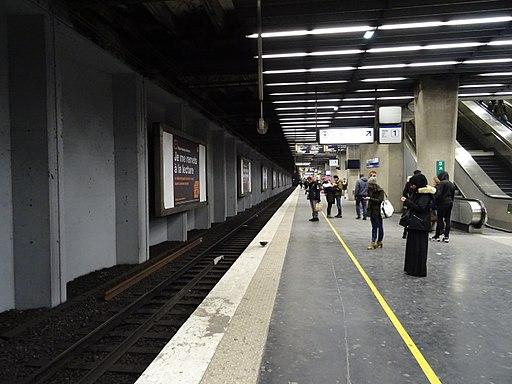 Quai RER A La Défense