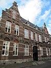 foto van Klein College: lagere school met inpandige bovenmeesterswoning