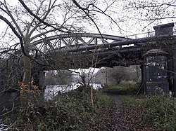 Rail bridge over the River Thames, carrying the Cherwell Valley line 09.jpg
