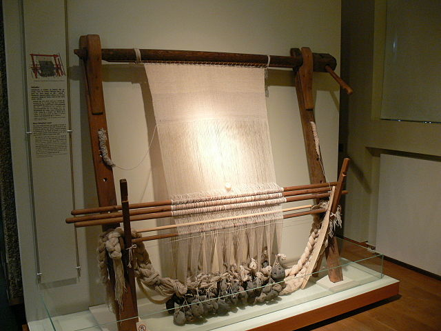 warp-weighted loom