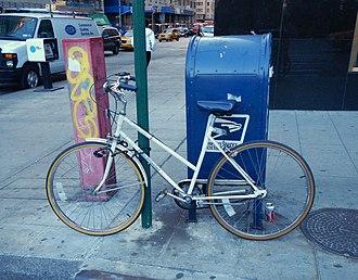 Roadmaster (bicycle company) - Roadmaster Cape Cod on New York street