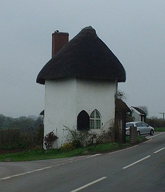 Turnpike trusts - The Round House (Old Toll House) at Stanton Drew