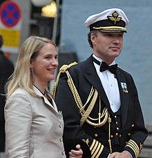 Talk:Mess dress uniform - Wikipedia