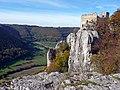 Ruine Reußenstein (erbaut 1270 als Ministerialburg, Herrschaft Teck, Kontrolle des Albaufstiegs bis in das Spätmittelalter) - panoramio.jpg