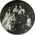 Russian Imperial family, 1913 b.jpg