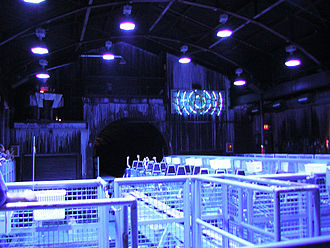 Mr. Freeze (roller coaster) - Image: SFOT Mr Freeze (Station)