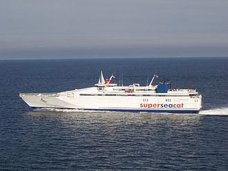 HSC Speedrunner III - SuperSeaCat Three approaching Helsinki in intermediate livery, August 2006