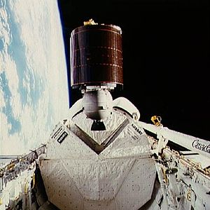 Optus (satellite) - Image: STS 51 I AUSSAT 1 deployment