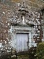 Saint-Symphorien-des-Monts - Église (portail Sud).JPG