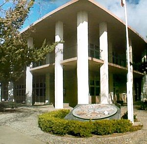 San Benito County Courthouse, Hollister, March 15, 2008.jpg