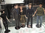 File:San Diego Comic-Con 2011 - Twilight Tonner dolls (6039249133).jpg