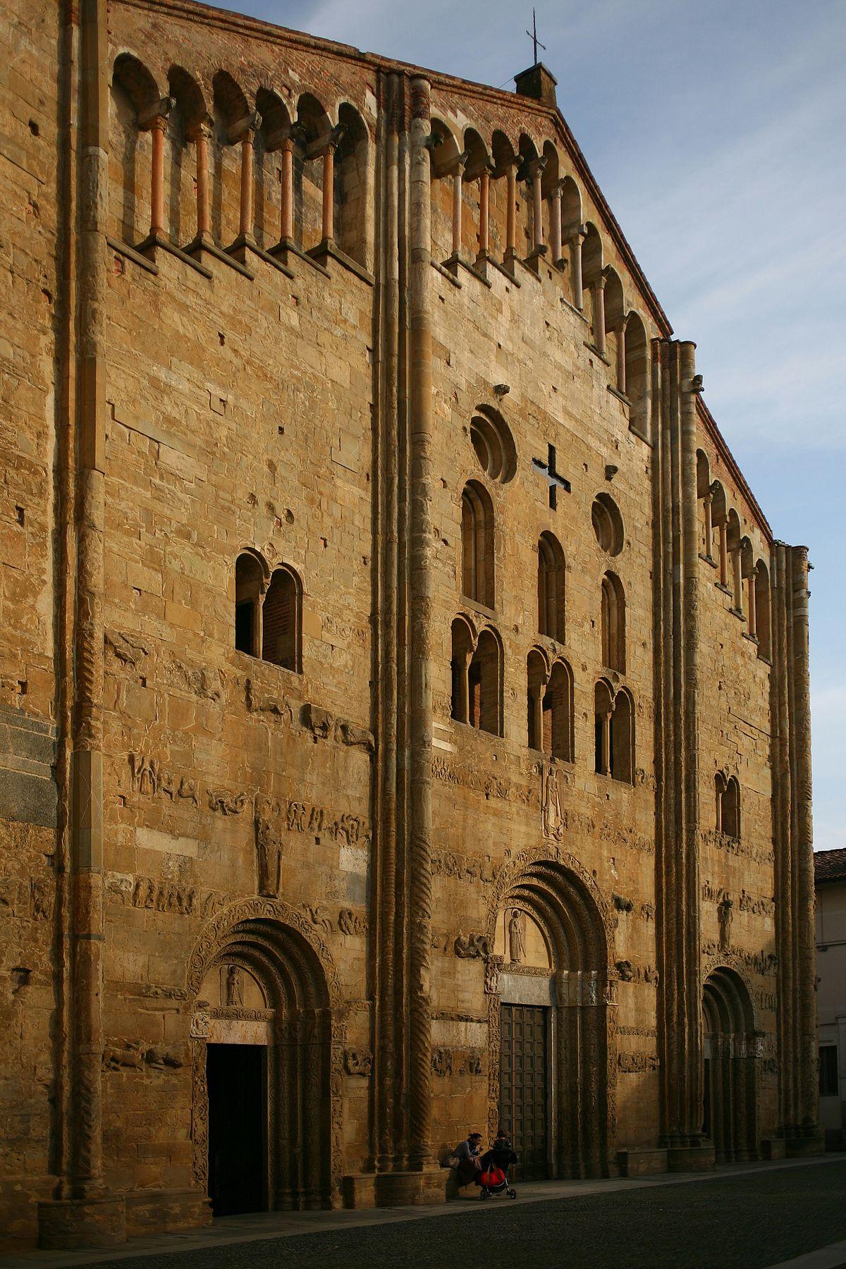Basilica di San Michele Maggiore - Wikipedia