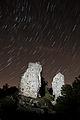 Scie di stelle sulla Rocca di Monte Acuto.jpg