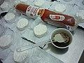 Sedlčanský hermelín s chorízem na gril 05.jpg