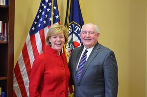 Baldwin with former Governor of Georgia and Secretary of Agriculture Sonny Perdue in February 2017 Senator Tammy Baldwin with Secretary of Agriculture nominee Sonny Perdue.jpg