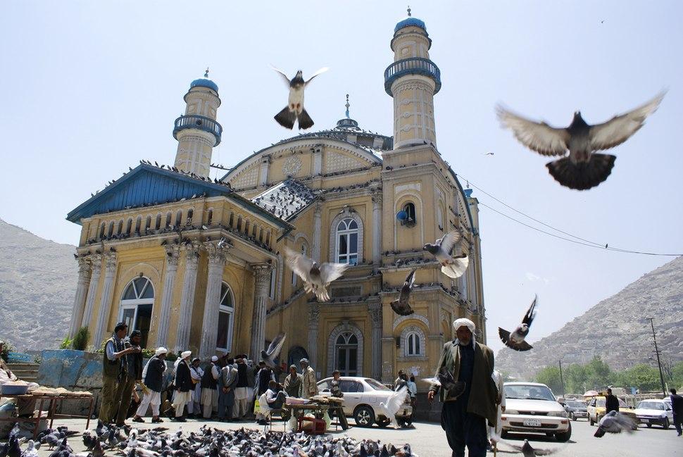 Shah-e-Doshamshera Mosque - panoramio