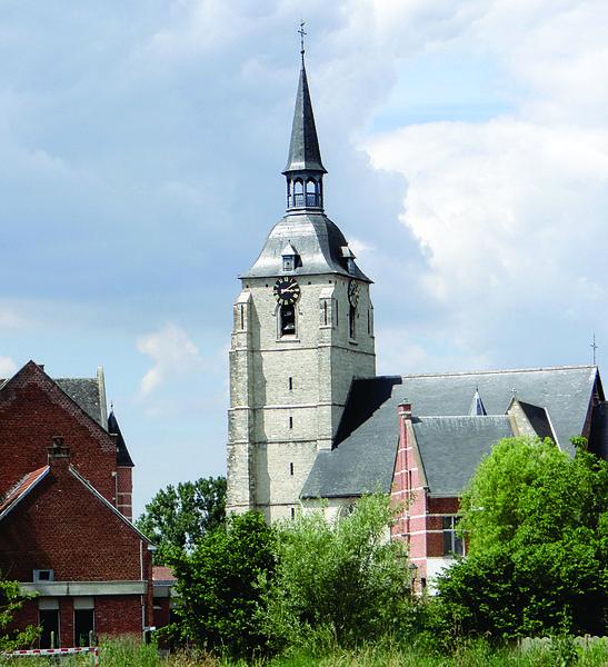De toren van de gotische Sint-Martinuskerk (XIVe eeuw) te Rijmenam - deelgemeente van Bonheiden - provincie Antwerpen.