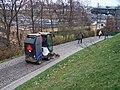 Smíchov, park Sacré Coeur, počišťovací vůz (03).jpg