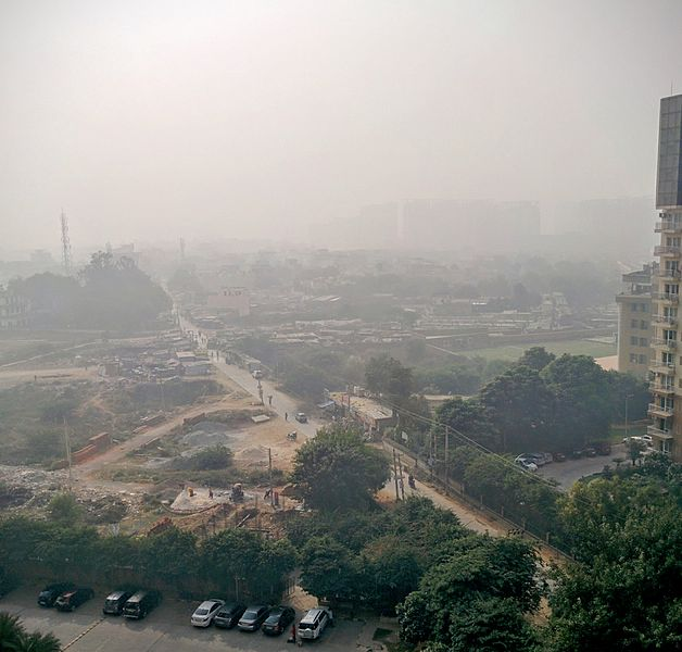 File:Smog as visible in the Gurgaon area near Delhi on Nov 2016.jpg
