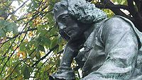 Spinoza-statue-the-hague.jpg