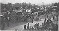 Städtische Straßenbahnen Wien 1903–1913 (page 47 crop) – Abfahrtstelle vor dem Haupttor des Zentralfriedhofes.jpg