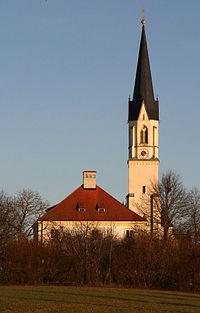 St. Blasius und Pfarrhaus, Niederbergkirchen.jpeg
