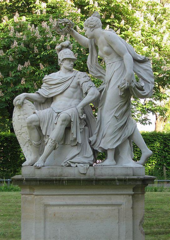 File:Statue Mars Venus im Blueherpark Dresden-2.jpg ...