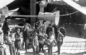 USS Huron (ID-1408) - Steerage passengers aboard SS Friedrich der Grosse, probably in New York, c. 1907–1914
