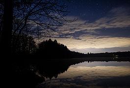 Steinsee bei Niederseeon bei Nacht.jpg