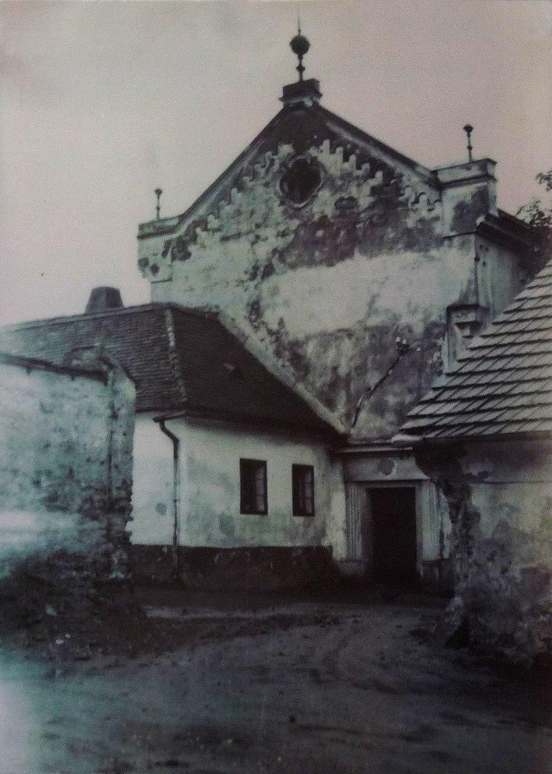 Synagoga Pacov 11.jpg