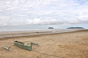 Tanjung Aru - Image: Tanjung Aru Beack Early One Cloudy Morning