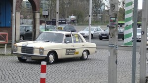 File:Taxi Driver protest Hannover 2019-03-28 20.webm