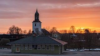 Taxihuset och Hedemora kyrka 2018-04-18.jpg