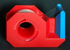 Tape dispenser - A small tape dispenser