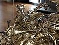 Thomas e françois-thomas germain, centrotavola del duca di aveiro, argento, parigi 1729-57, 05 levriero.jpg