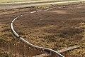 Tijdelijke pijpleiding naast A7 bij Joure voor transport van zand voor de aanleg van het nieuwe knooppunt Joure 02.jpg