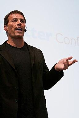 Tony Robbins gesturing