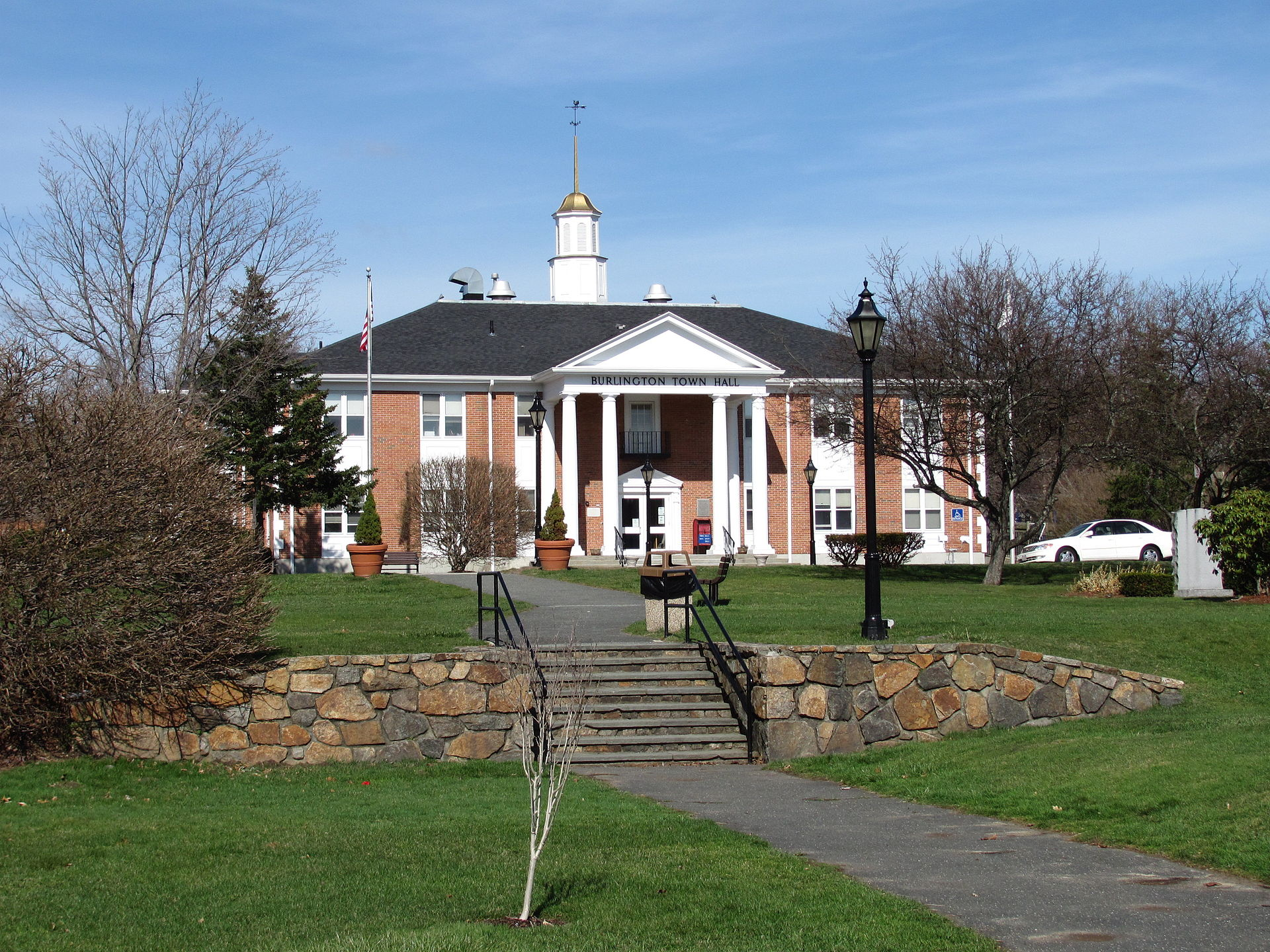 Burlington massachusetts wikipedia for Home builders massachusetts