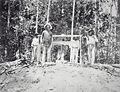 Tropenmuseum Royal Tropical Institute Objectnumber 60000722 De hoofdschacht op het terrein van de.jpg
