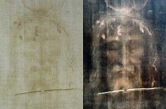 Shroud of Turin - Image: Turin shroud positive and negative displaying original color information 708 x 465 pixels 94 KB