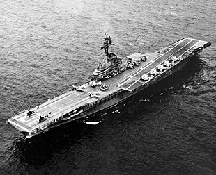 USS Yorktown (CVS-10) underway June 1962.jpeg