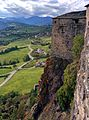 Una delle torri del castello di Bardi.jpg