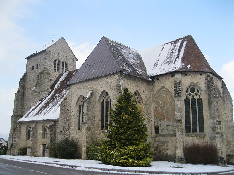 L'église Saint-Léger de Vauciennes, vue du sud-est.