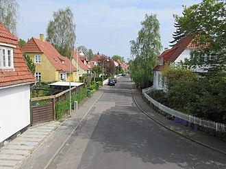 Frederiksberg Kommunale Funktionærers Boligforening - A row of houses at Carl Langes Vej