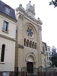 synagogue located in Yvelines, in France