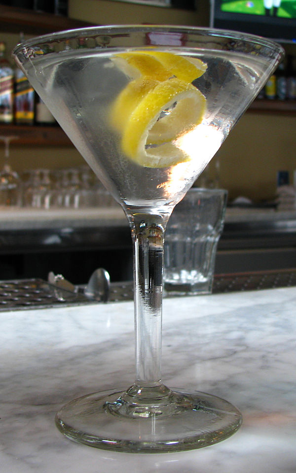 Vesper (cocktail) IMAGES VIDEOS