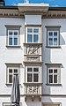 Villach Innenstadt Hauptplatz 26 Palais 26 Erker mit Reliefs 23042021 0849.jpg