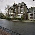 Voorgevel Raadhuis met middenrisaliet - Grosthuizen - 20405796 - RCE.jpg