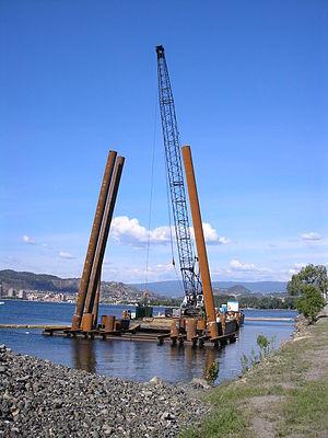William R. Bennett Bridge - Image: WRB bridge west approach pile drive