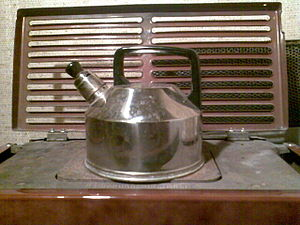 Whistling kettle - A kettle, with a detachable whistle over its spout